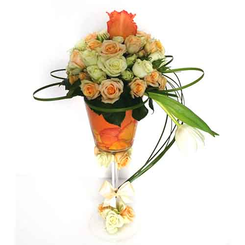 Mixed Rose Flower Vase Online Gifts Delivery In Dubai Uae