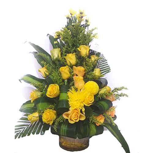 Yellow rose flower basket 1flr007 online gifts delivery in dubai uae yellow rose flower basket 1flr007 sale home mightylinksfo