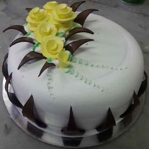 Beautiful white cake with black flowers - SKUCAK050 - Flowers, Cakes and Gifts delivery in Dubai UAE