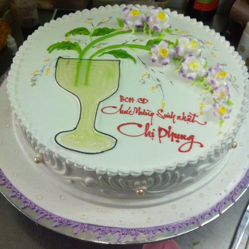 Creamy white cake with lilac orchid flowers - SKUCAK034 - Flowers, Cakes and Gifts delivery in Dubai UAE