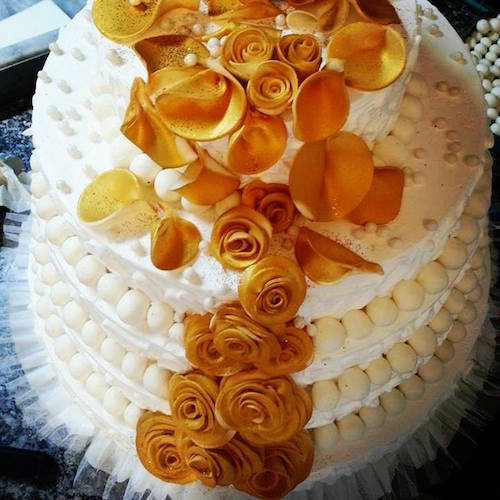 Four layers white cake with golden rose - SKUCAK091 - Flowers, Cakes and Gifts delivery in Dubai UAE