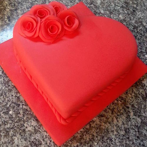 Heart winning Valentine's day cake 1 - SKUCAK069 - Flowers, Cakes and Gifts delivery in Dubai UAE