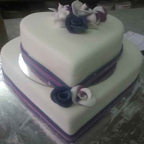 Heart winning Valentine's day cake 13 - SKUCAK081 - Flowers, Cakes and Gifts delivery in Dubai UAE