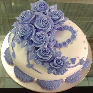Heart winning Valentine's day cake 3 - SKUCAK071 - Flowers, Cakes and Gifts delivery in Dubai UAE