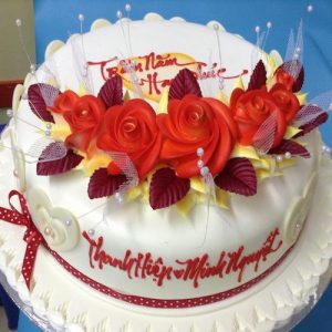 Heart winning Valentine's day cake 4 - SKUCAK072 - Flowers, Cakes and Gifts delivery in Dubai UAE