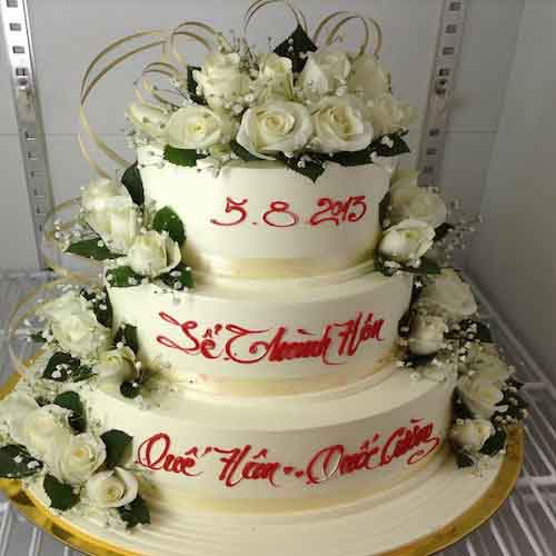 Three layers cream cake with rose - SKUCAK085 - Flowers, Cakes and Gifts delivery in Dubai UAE