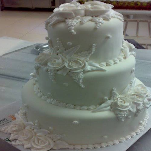 Three layers white cake with rose - SKUCAK087 - Flowers, Cakes and Gifts delivery in Dubai UAE