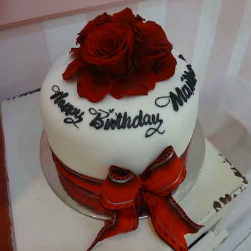 Vanilla Cake with Dark Red Roses - Flowers, Cakes and Gifts delivery in Dubai UAE