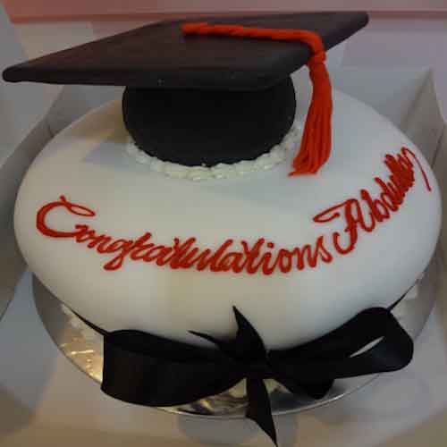 Special Vanilla Cake for a Successful Graduation Ceremony - Flowers, Cakes and Gifts delivery in Dubai UAE