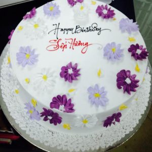 White creamy cake with lilac and violet flowers - SKUCAK037 - Flowers, Cakes and Gifts delivery in Dubai UAE