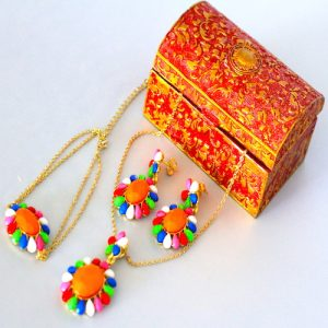 Golden color chain with multi color stons 1 - Gifts for Women - Online Gifts Delivery in Dubai UAE