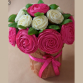 Edible Mohbat Cupcakes - Valentine's Day Special - SKUCAK161 - Online Gifts Delivery in Dubai UAE