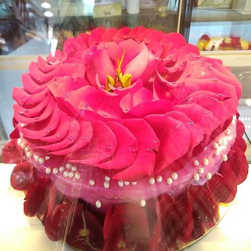 Min 2Kg Rose Cake - SKUCAK185